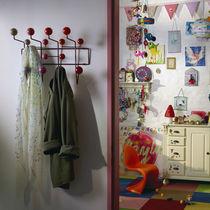 Wandmontierte Kleiderablage / modern / aus Metall / von Charles & Ray Eames