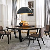 Moderner Tisch / aus Marmor / aus Eiche / rund