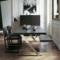 Moderner Esstisch / Holz / rechteckig / rund