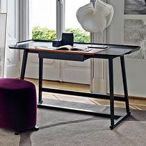 Holz-Schreibtisch / Leder / modern / integrierter Stauraum