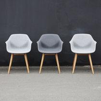 Moderner Sessel / Verbundwerkstoff / Holz / pulverbeschichteter Stahl