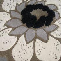 Moderner Teppich / aus Wolle / rechteckig / Blumenmotive