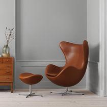 Sessel / Skandinavisches Design / Stoff / Leder / mit Fußstütze