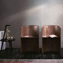 Moderner Stuhl / geformtes Sperrholz / amerikanischer Nussbaum / von Konstantin Grcic