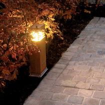 Moderner Leuchtpoller / Stahl / LED