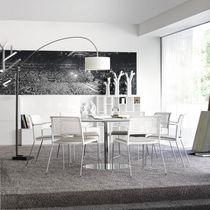 Moderner Besucherstuhl / mit Armlehnen / Polster / Stapel
