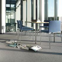 Polster-Konferenzstuhl / mit Armlehnen / Stapel / mit hoher Rückenlehne