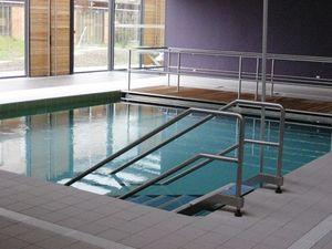 Versenkbarer Pool verstellbarer boden für pool holz cool temptation aqualift