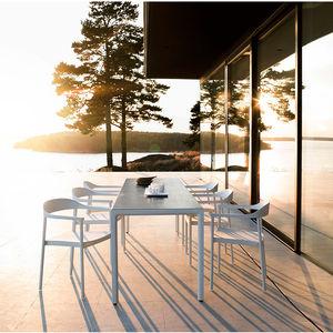 Moderner Stuhl / Mit Armlehnen / Batyline® / Aus Aluminium