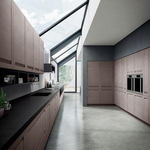 Moderne Küche / Holzfurnier / Aus Eiche / Edelstahl
