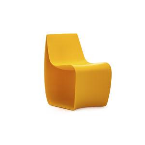 Moderner Stuhl / Für Kinder / Rotationsgesintertes Polyethylen / Contract