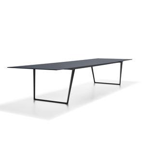 Moderner Tisch / Aus Eiche / Aluminium / Laminat