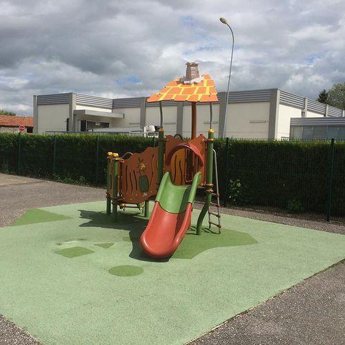 Spielplatzgerät für Spielplätze / Kunststoff / Stahl / HPL