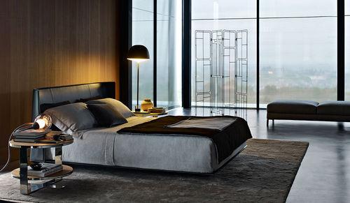 Doppelbett / modern / gepolstertes Kopfteil / Leder