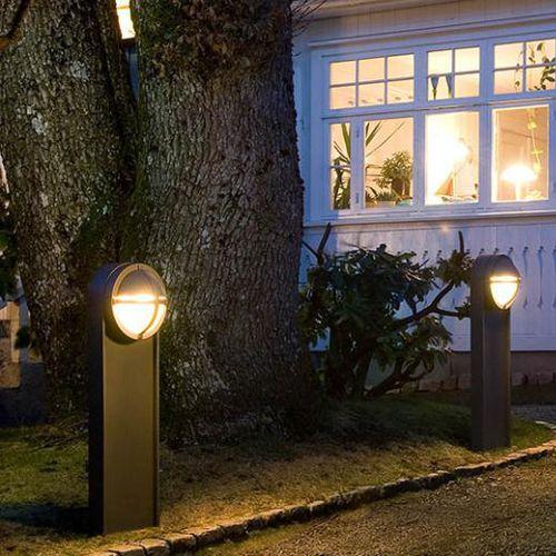 Leuchtpoller für den Garten / modern / Aluminium