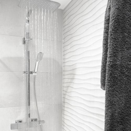 wandmontiertes Duschsystem - Grifería Clever