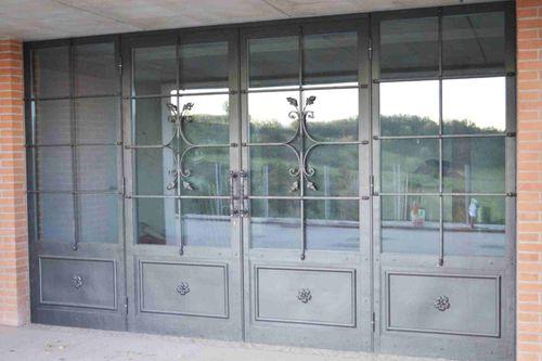 einflügelige Fenstertür / Schmiedeeisen / Doppelverglasung