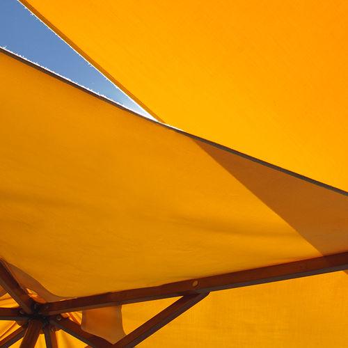 Stoff für Sonnenschutz / uni / Polyester / Objektmöbel