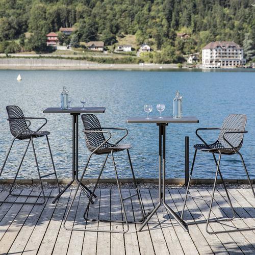 Stehtisch / originelles Design / Stahl / quadratisch / Außenbereich