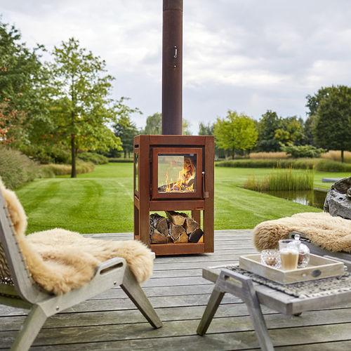 Kamin für den Garten / Holz / traditionell / geschlossene Feuerstelle