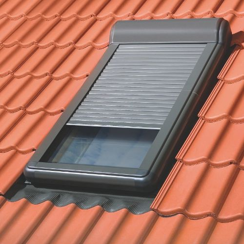 rollender Fensterladen / Aluminium / für Dachfenster