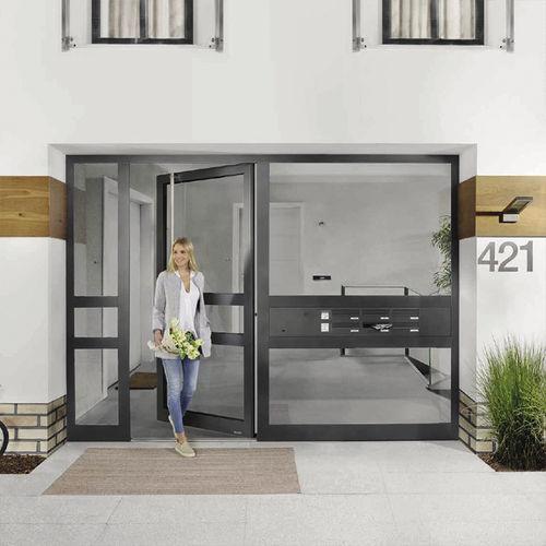 Eingangstür / einflügelig / Aluminium / Glas