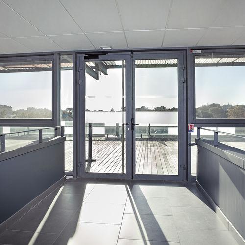 Eingangstür / einflügelig / Aluminium / wärmeisoliert