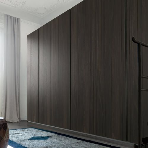 moderner Kleiderschrank / aus Eiche / lackiertes Aluminium / gestrichenes Aluminium