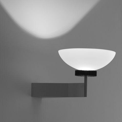Wandleuchte / originelles Design / lackiertes Metall / Glas / LED