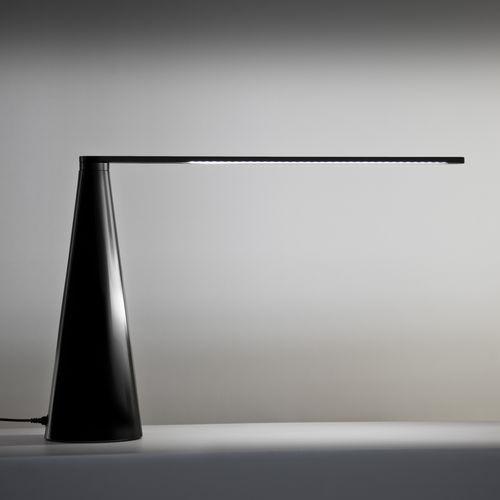 Tischlampe / modern / lackiertes Aluminium / verstellbar