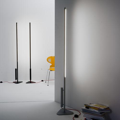 Stehleuchte / originelles Design / Aluminium / Innenraum