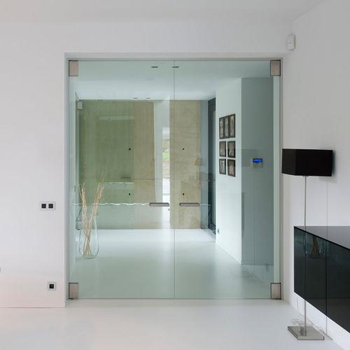 Innenbereich-Tür / mit seitlicher Drehachse / Aluminium / Akustik