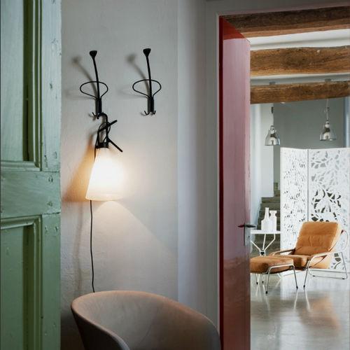 wandmontierter Garderobenständer / modern / aus lackiertem Stahl / von Enzo Mari