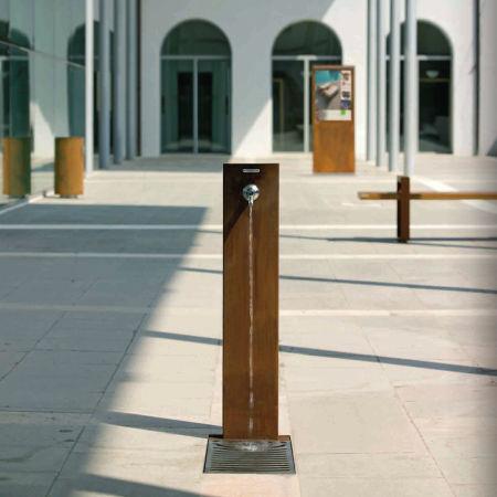 Steh-Trinkbrunnen / für Außenbereich / aus Stahl FUENTE by Raffaele Lazzari METALCO