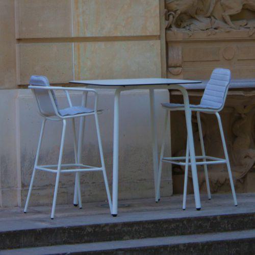 moderner Stehtisch / Edelstahl / HPL / Keramik