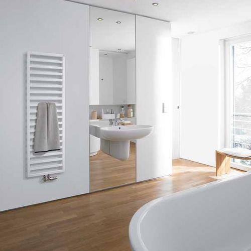 Heißwasser-Badheizkörper / elektrisch / Edelstahl / modern