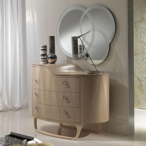 wandmontierter Spiegel / modern