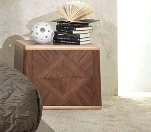 moderner Nachttisch / Holz