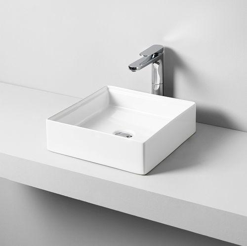 Aufsatzwaschbecken / quadratisch / Keramik / modern