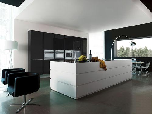 moderne Küche / Glas / aus Acryl / Kochinsel