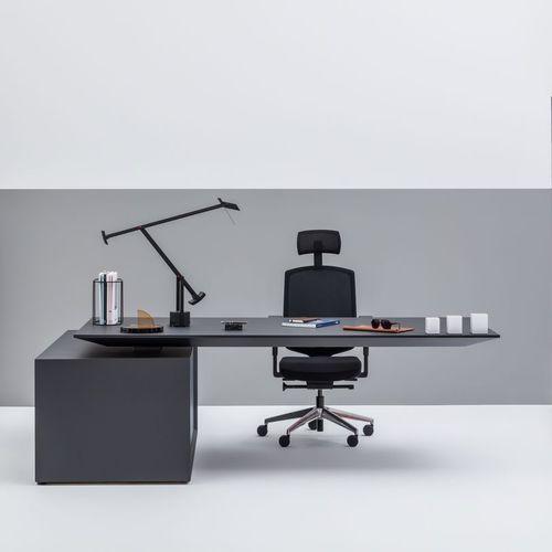 Chefschreibtisch / Holz / modern / für Hotels