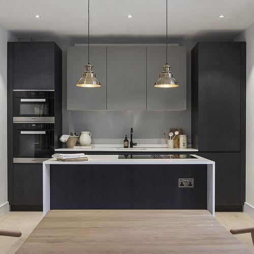 moderne Küche / Holz / Marmor / Kochinsel