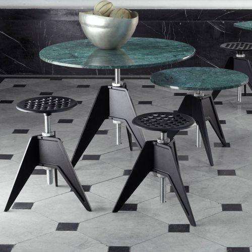 moderner Hocker / aus Stahl / aus Gusseisen / Objektmöbel