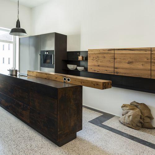 moderne Küche / Holz / Metall / Kochinsel