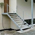 gerade Treppe / Stufen Edelstahl / Edelstahlgestell / ohne Setzstufe