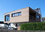 Fertigbauhaus / modern / aus Holz / mit Terrasse