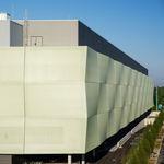 Fassadenverkleidung aus Verbundwerkstoff / perforiert / Gitter / Textilmembran