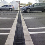 Verkehrs-Abfluss§rinne / aus Faserbeton / Gitter / für Drainage RECYFIX®MONOTEC HAURATON