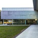 Fassadenverkleidung aus Aluminium / perforiert / Platten / Dekor