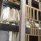 wandmontierter begehbarer Kleiderschrank / modern / Holz / Glas